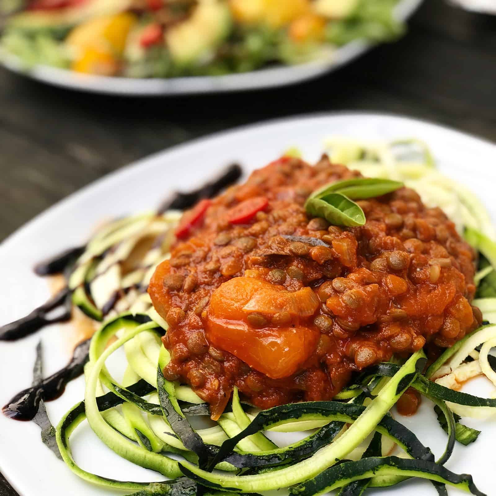Linsenbolognese mit Zucchini-Nudeln